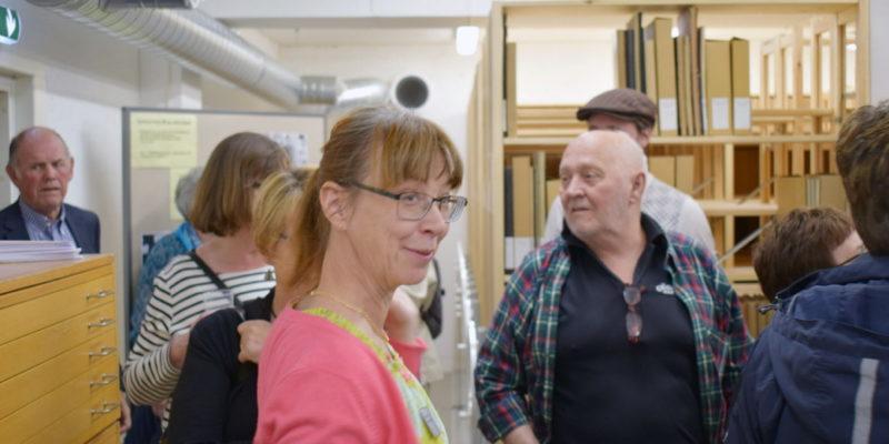 Kommunarkivarie Christina Sandell vid invigningen av de nya arkivlokalerna, som även innehåller Söderköpings föreningsarkiv.